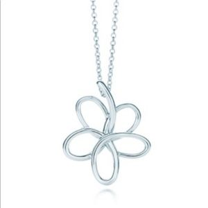 Tiffany &Co. flower necklace